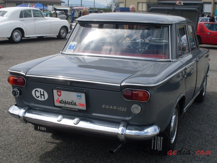 Fiat 1500 1961 1967 1961 1964 Sedan 4d Right Rear View