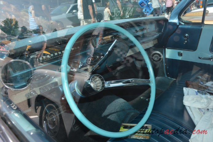 Oldsmobile 88 5th generation 1961-1964 (1961 Super 88 sedan